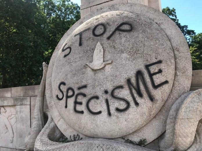 Monumento a las palomas mensajeras usadas en la I Guerra Mundial saboteado en Francia.