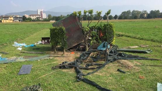 Cabaña de cazadores destruida en Brescia (Italia).