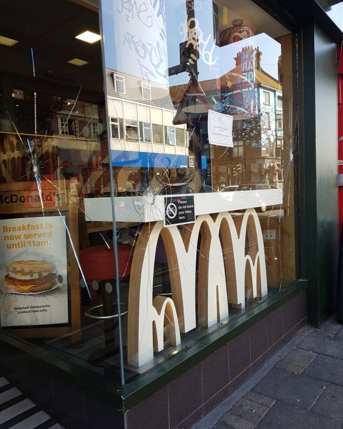 Mcdonalds saboteado en Reino Unido.